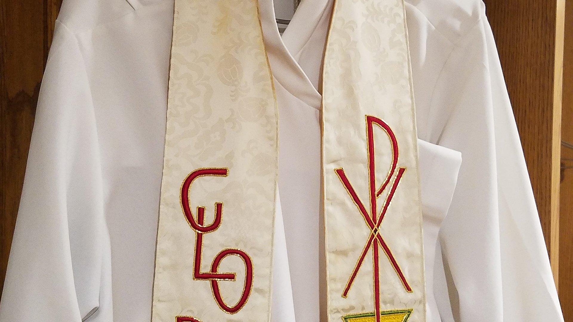 robe-white
